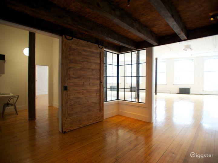Tin-ceilinged NYC Loft Studio Photo 4