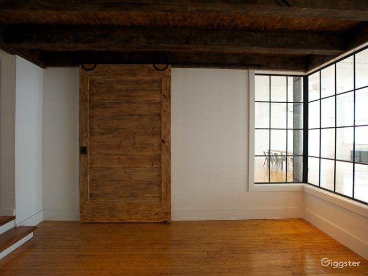Tin-ceilinged NYC Loft Studio Photo 3