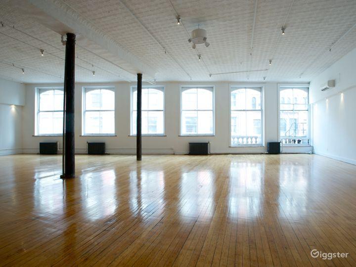 Tin-ceilinged NYC Loft Studio Photo 2