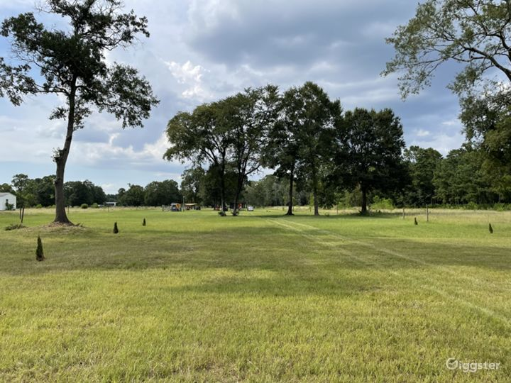 4 acres of open land with pond for any event  Photo 3