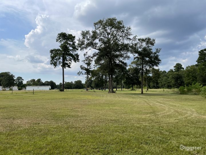 4 acres of open land with pond for any event  Photo 2