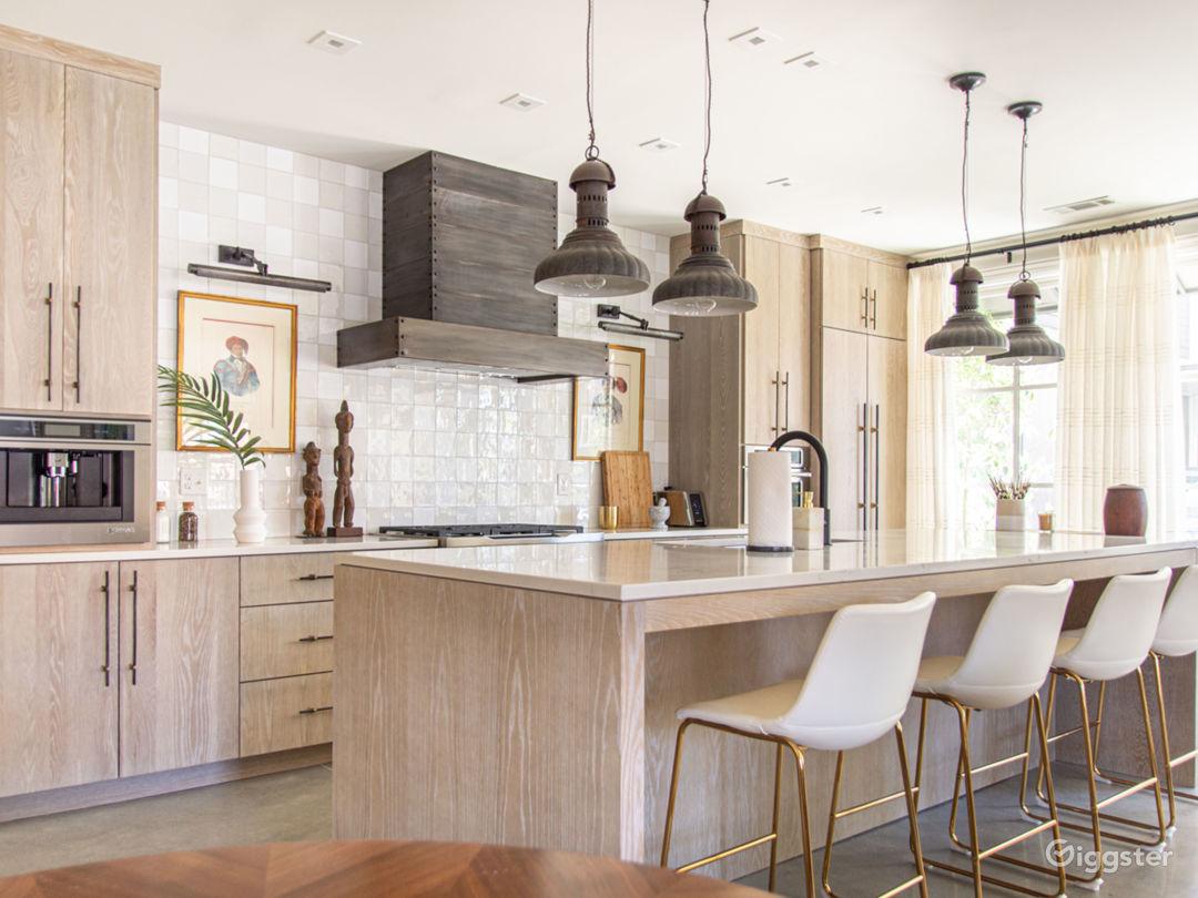 Sophisticated Designer Apartment in Buckhead Photo 1