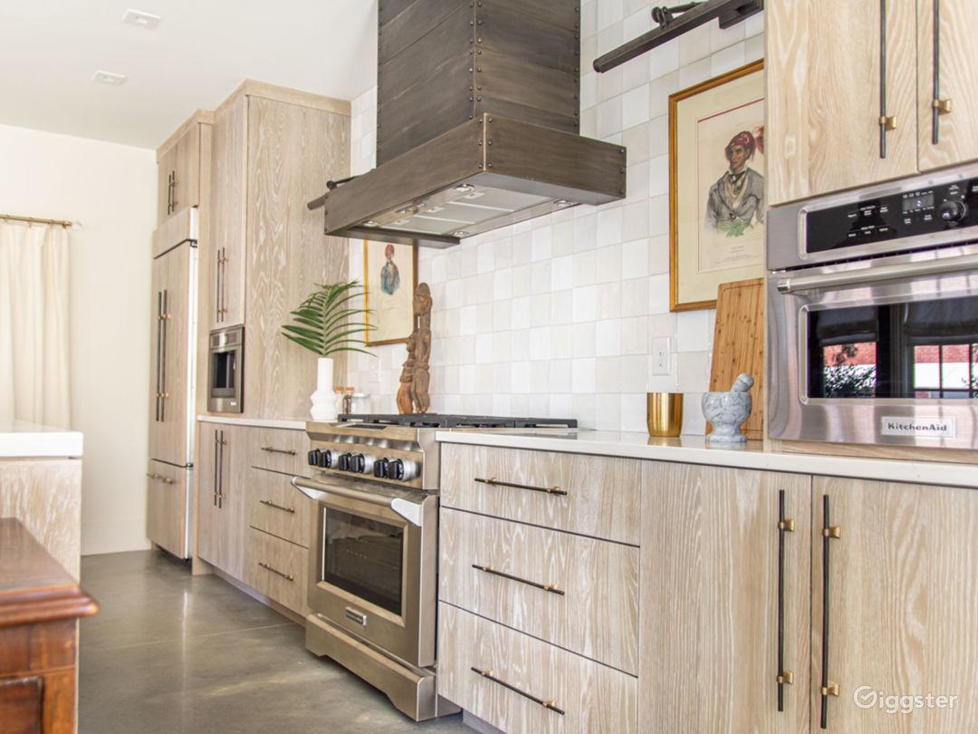 Sophisticated Designer Apartment in Buckhead Photo 5