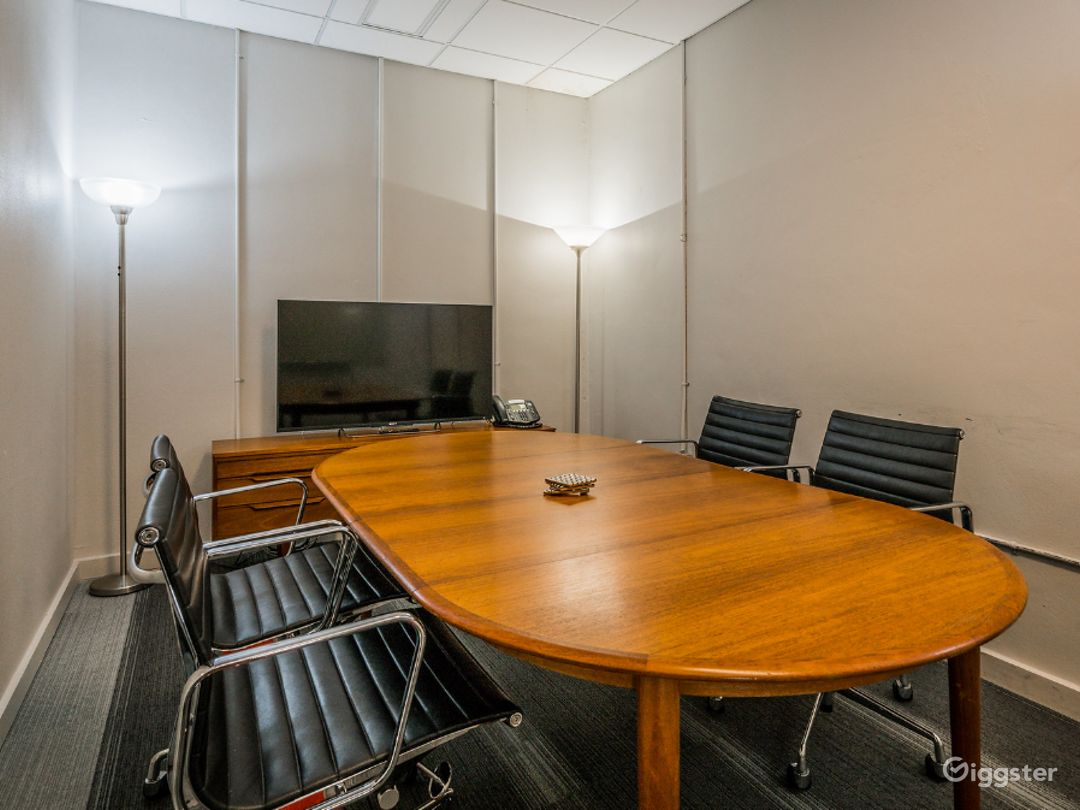 Marconi Classic Small Size Conference Room  Photo 1