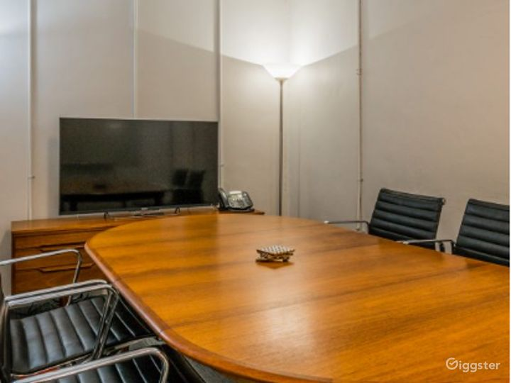 Marconi Classic Small Size Conference Room  Photo 5