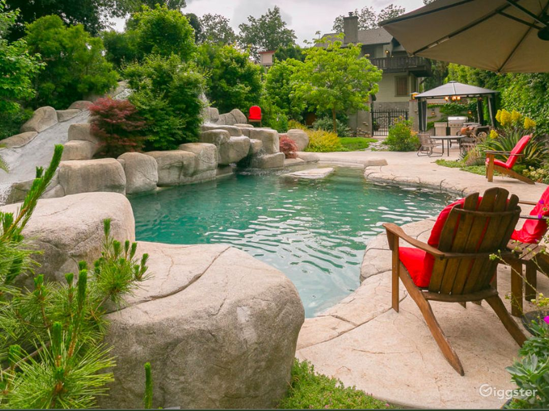 The Most Beautiful Pool And Lush Garden Around Rent This