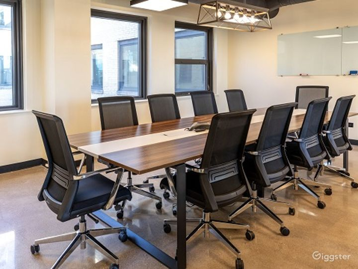 Conference Room in the heart of Wicker Park Photo 2