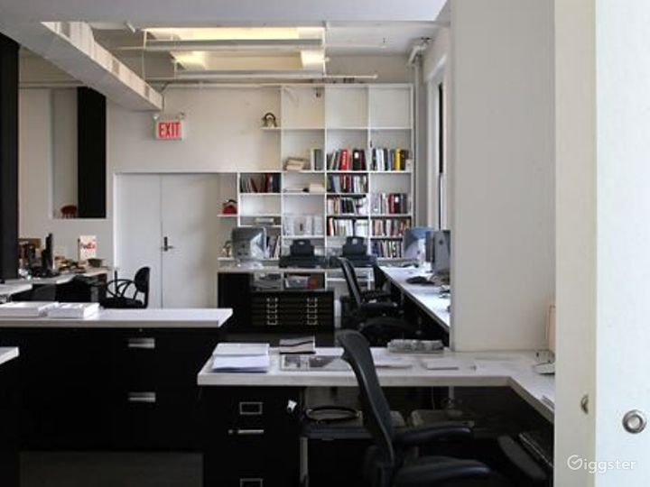 Office with conference room: Location 4145 Photo 2