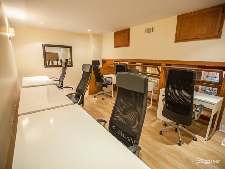 English Style Co-Living with custom interiors Photo 4