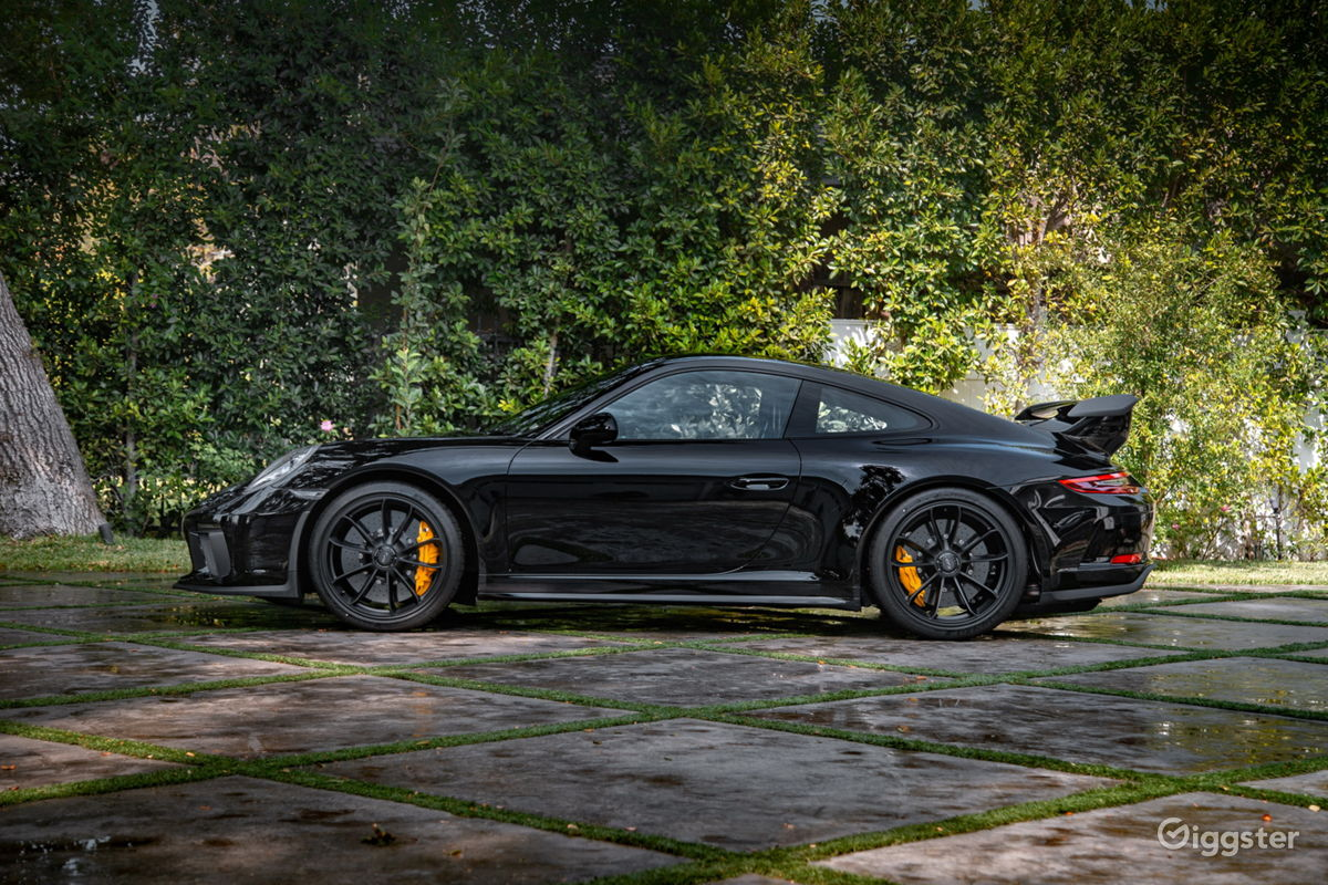 rent 2018 porsche 911 gt3 car (transportation) for film/photoshoot
