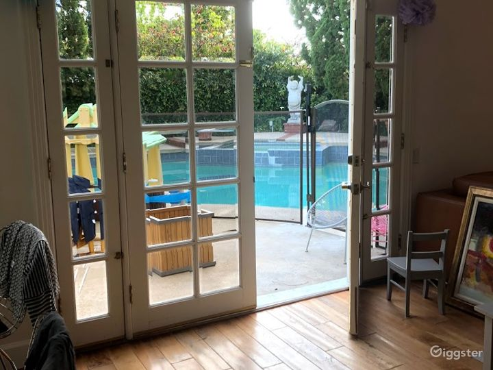 Charming, spacious and remodeled Photo 3