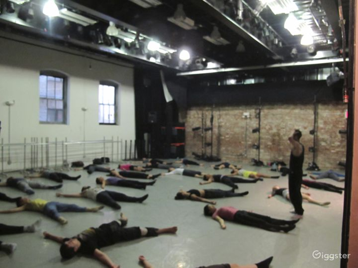Dance studio and performance space: Location 5014 Photo 3