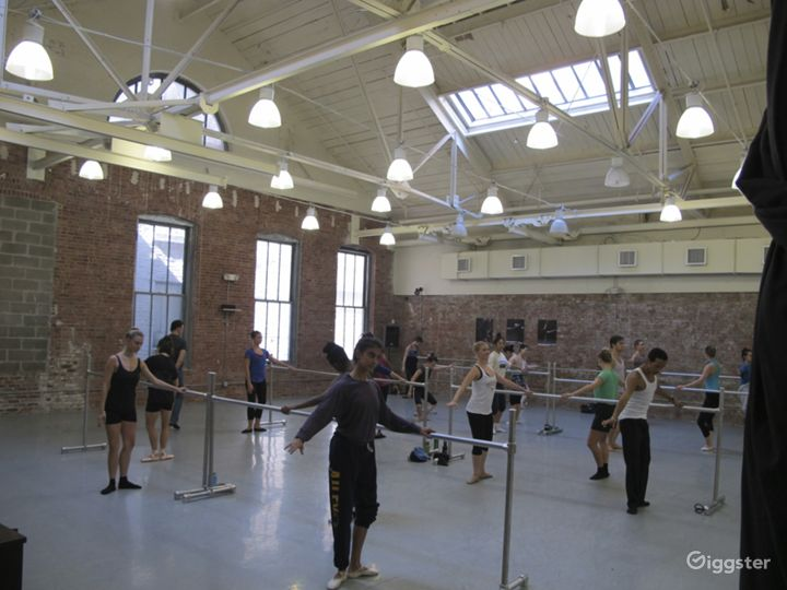 Dance studio and performance space: Location 5014 Photo 2