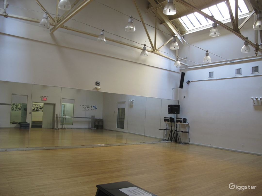 Dance studio and performance space: Location 5014 Photo 1