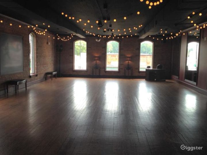 Spacious, Beautiful Upper-Level Multi-Purpose Events Space in Matthews Photo 2
