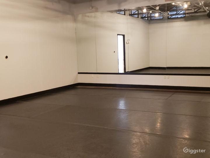 The Acro Room Photo 3