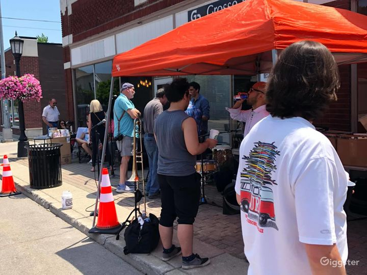 New Vinyl Record Store in Grosse Pointe Park - Outdoor Space Photo 5