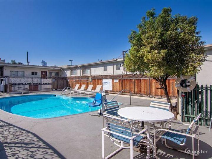 Cosy Pool Area in LA Photo 5