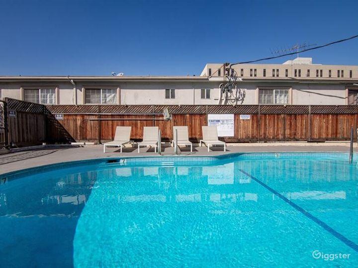 Cosy Pool Area in LA Photo 4