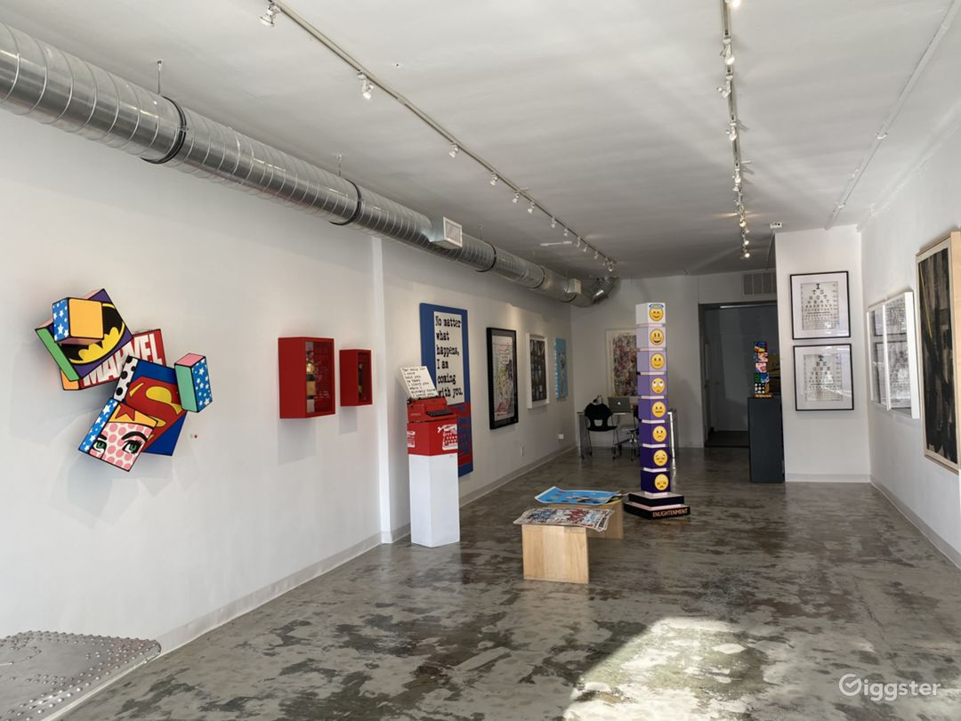 Bright and Inviting Art Gallery Photo 1