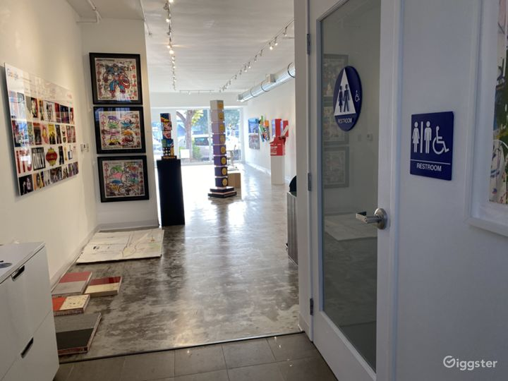 Bright and Inviting Art Gallery Photo 4