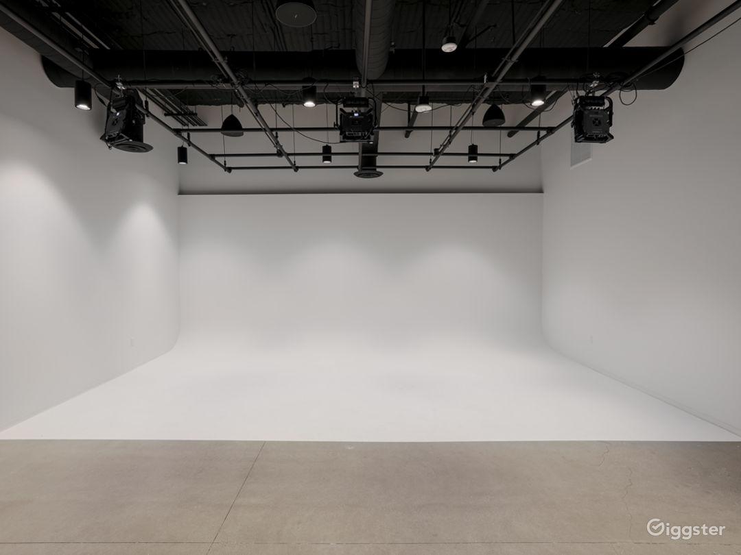 Photo Studio with white cyc