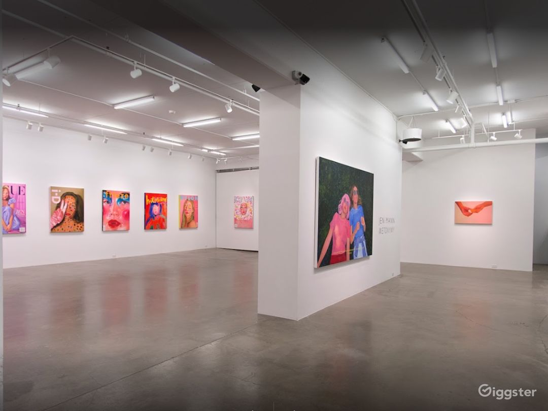 Spacious Contemporary Art Gallery in Vancouver Photo 1