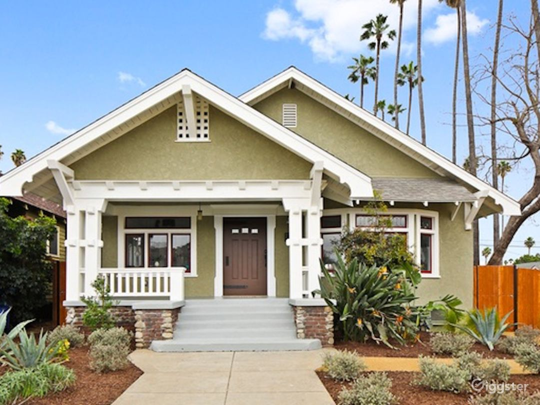 Beautiful Updated Craftsman Home in Los Angeles Photo 1