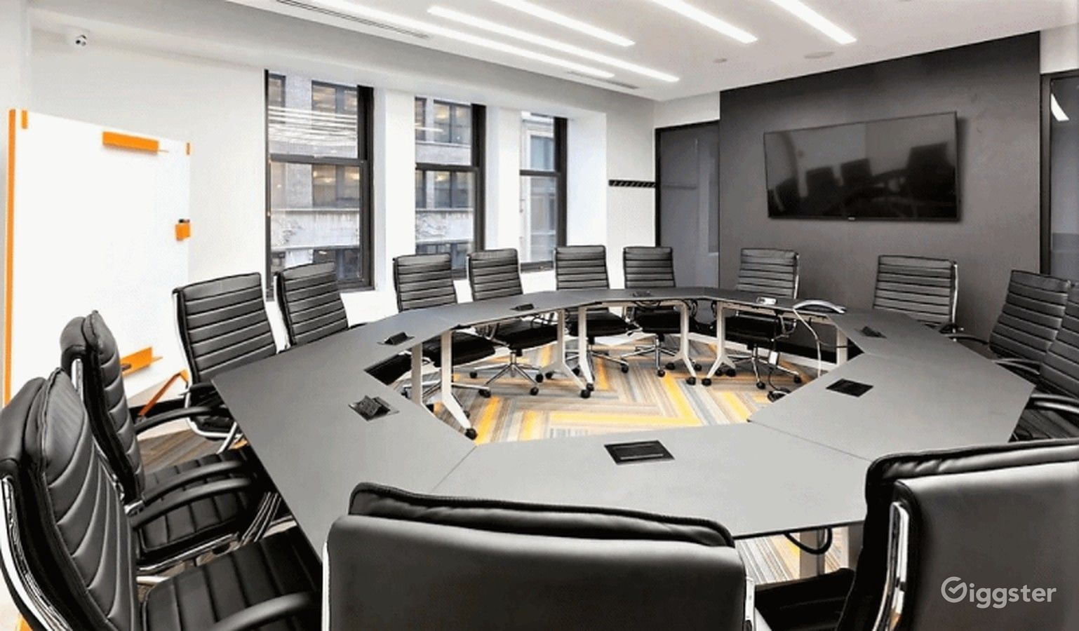 Fifth Avenue Confrence Room Rent This Location On Giggster