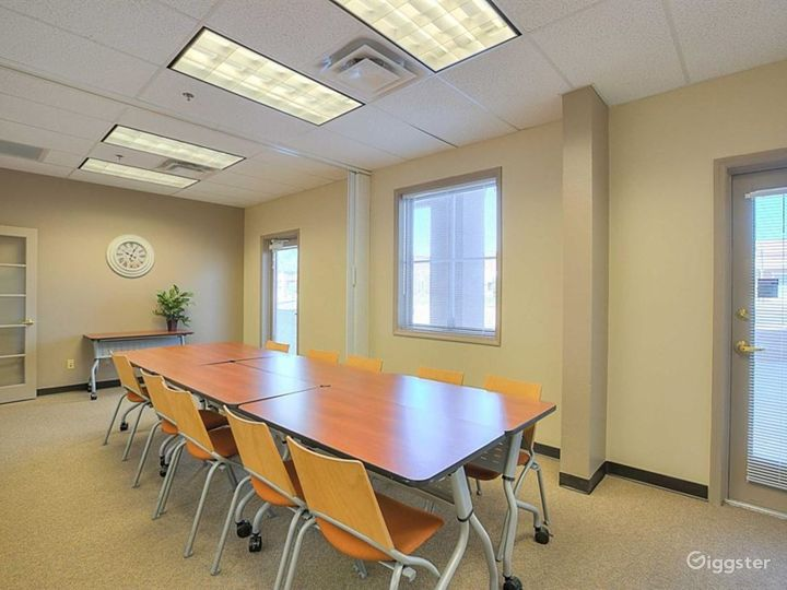 Contemporary Styled Conference Room in Albuquerque Photo 3