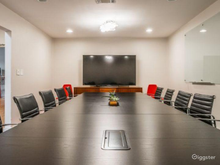 Kapany Capacious, Bright Extra Large Size Conference Room  Photo 2