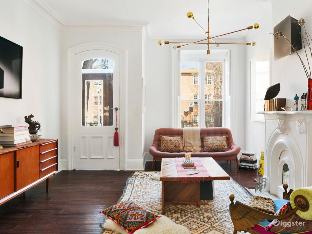2,800 sq./ft. vivacious bohême 4-story brownstone  Photo 1