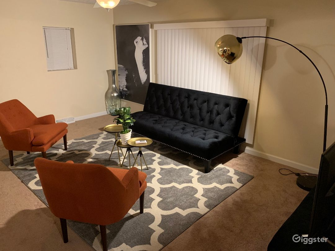 Classy and Comfy Home for Everyone Photo 1
