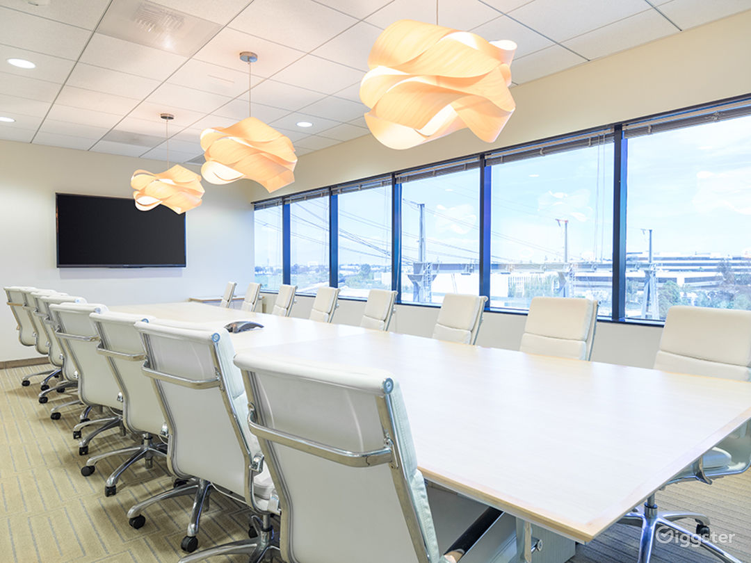 20 PERSON CONFERENCE ROOM-MANHATTAN BEACH Photo 1