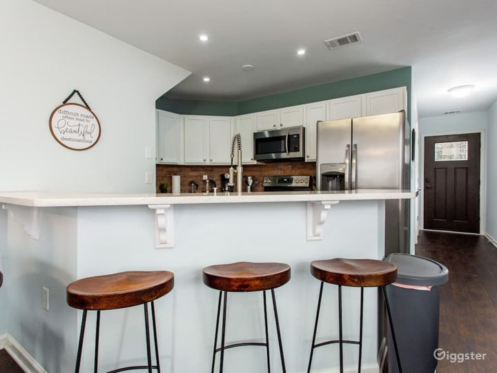 Rustic Industrial Townhome Photo 2