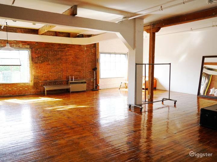 Gorgeous New York Style Loft DTLA Photo 5