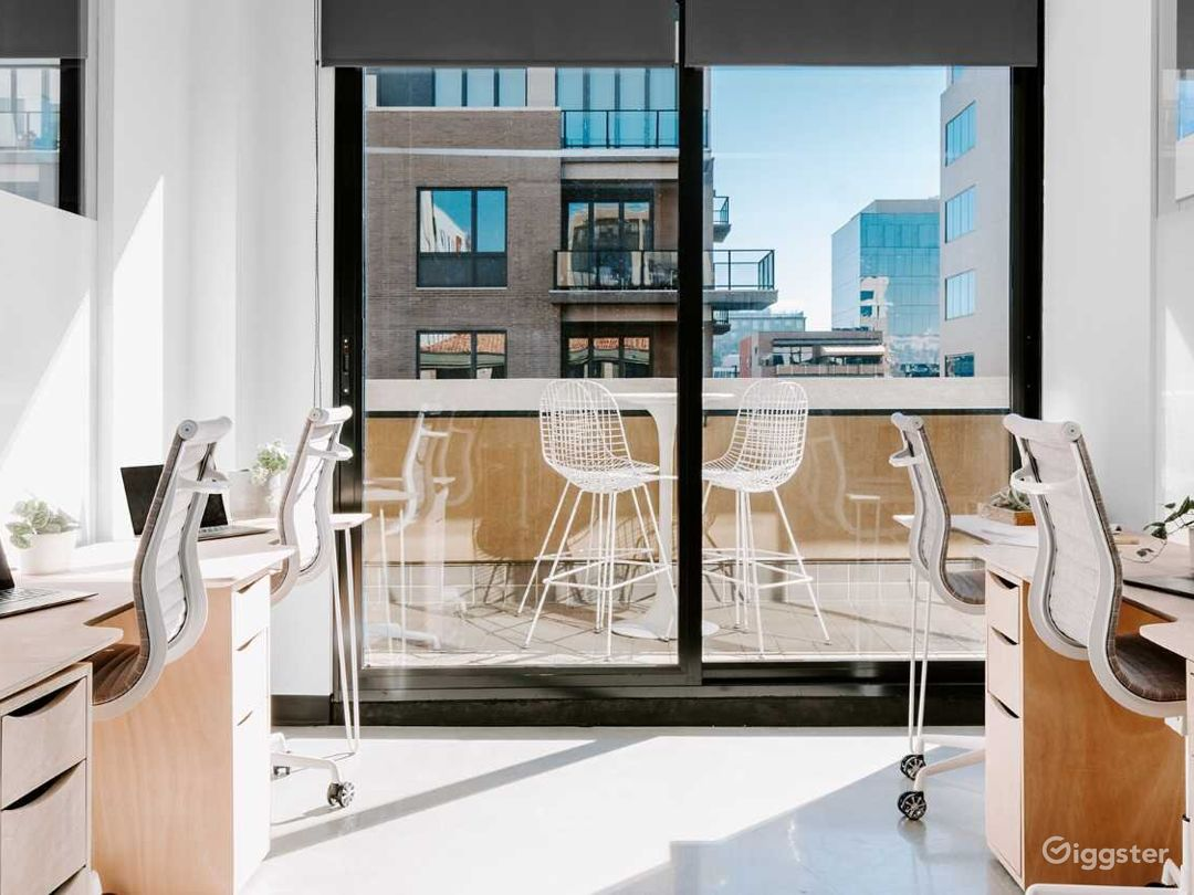 Fully Furnished Serviced Office in Denver Photo 1