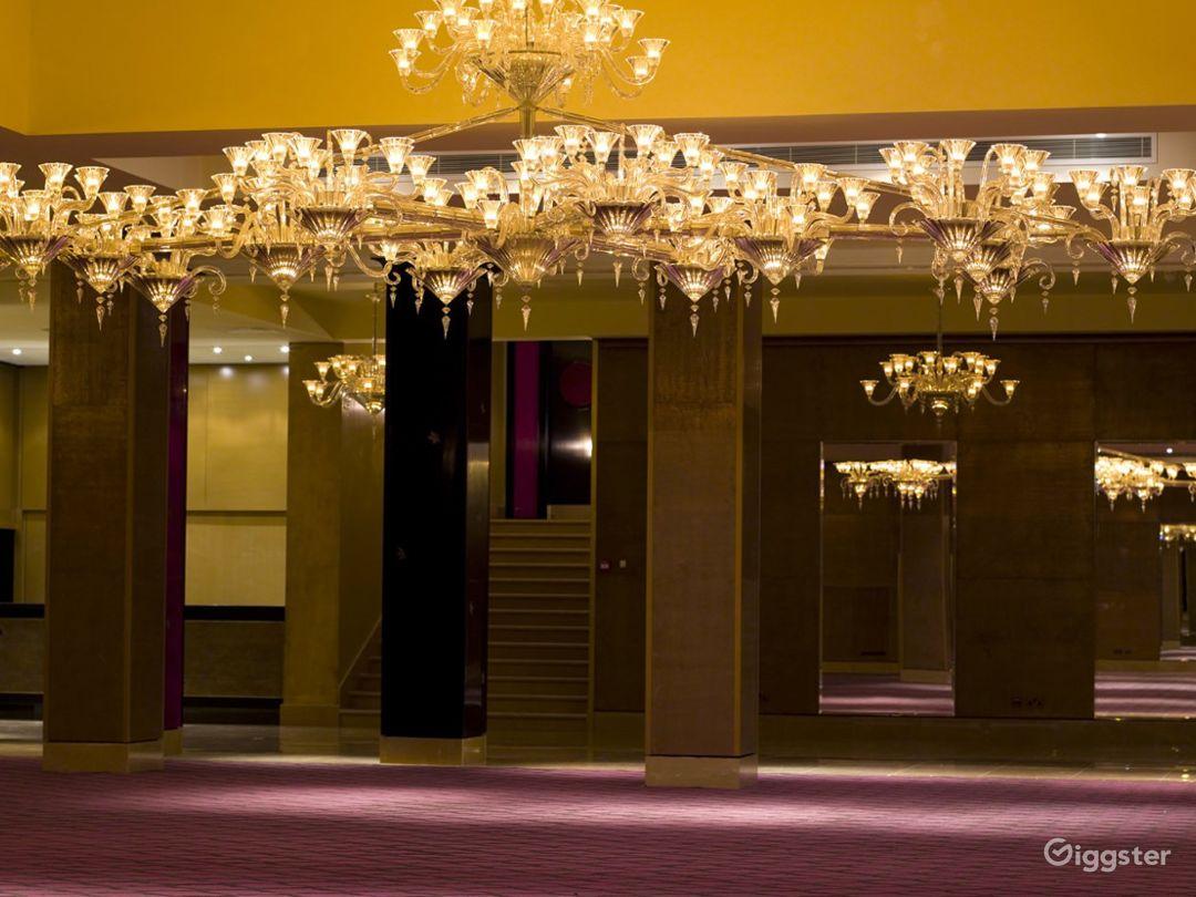 The Spectacular Crystal Room  in Mayfair, London Photo 1