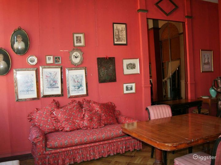 Boho/industrial loft with props: Location 1737 Photo 2