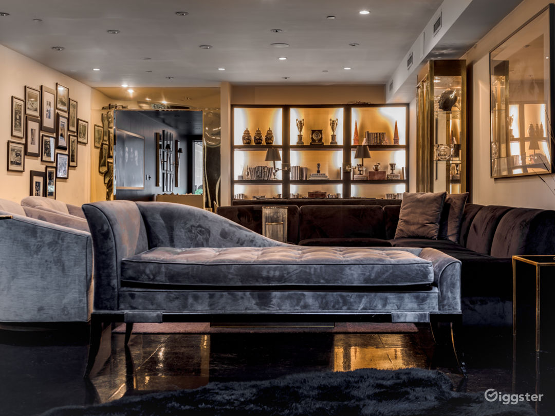Classically Elegant 5000 sqft Soho Duplex Photo 3
