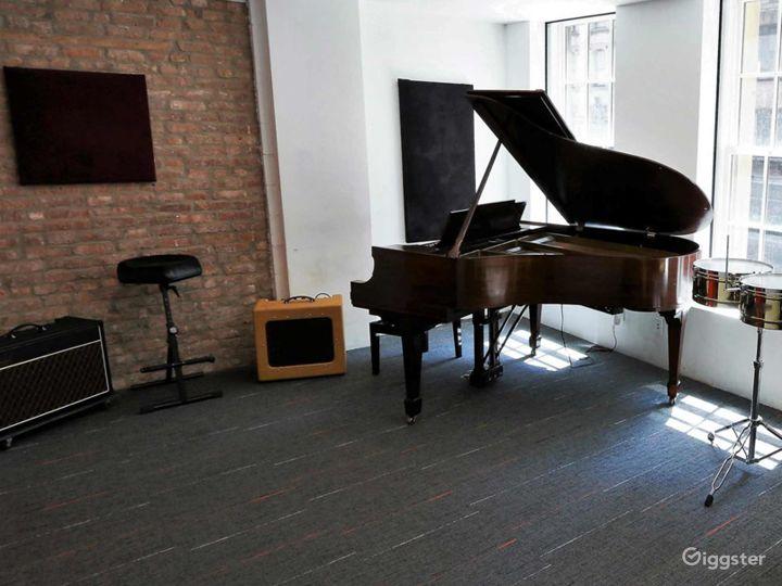Compact Rehearsal Studio in NY Photo 5