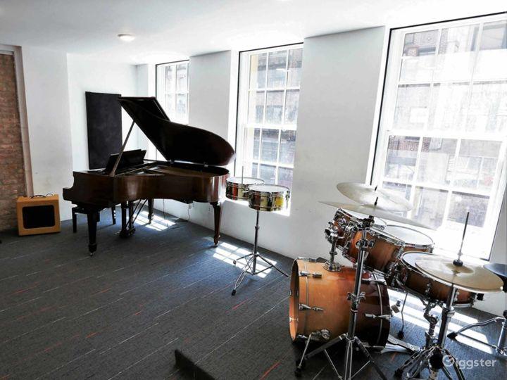 Compact Rehearsal Studio in NY Photo 3