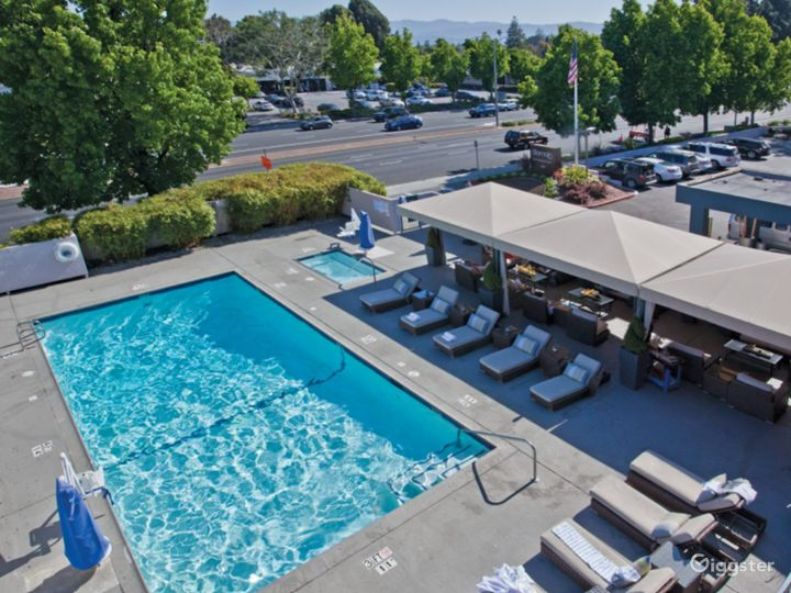 A Beautiful and Spacious Pool Area in Sunnyvale Photo 2