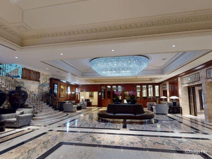 "Modish  ""Royal C"" Meeting Room in London, Heathrow Photo 3"