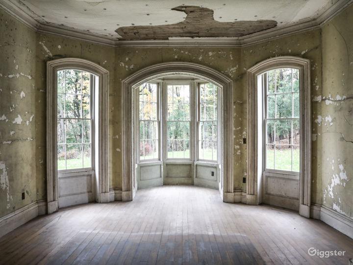 Dilapidated mansion: Location 5287 Photo 5
