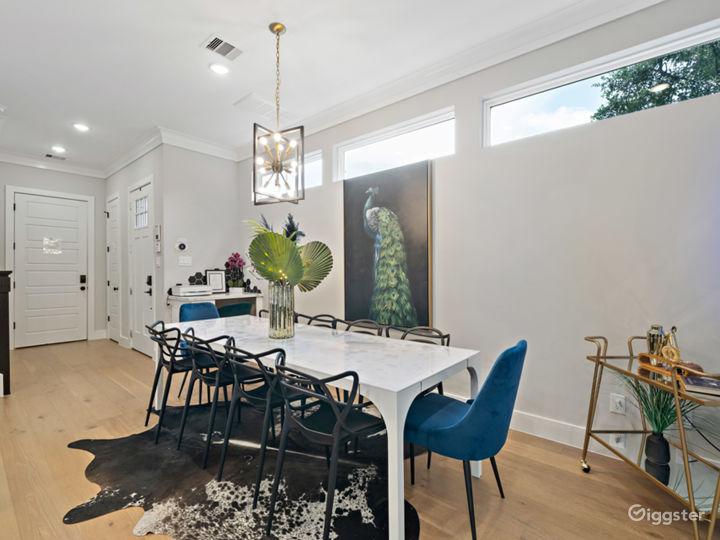 Modern Luxury Black House in Downtown Houston  Photo 5