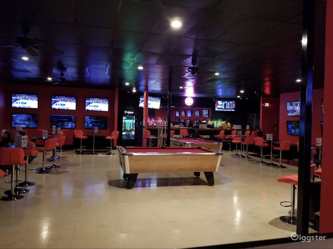 Upbeat & Vibrant Sports Bar For Events Photo 1