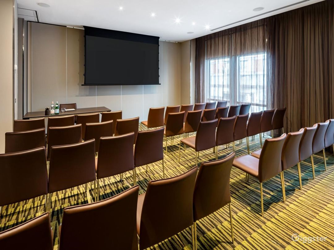 Stylish Private Room 2 in Canary Wharf, London Photo 1
