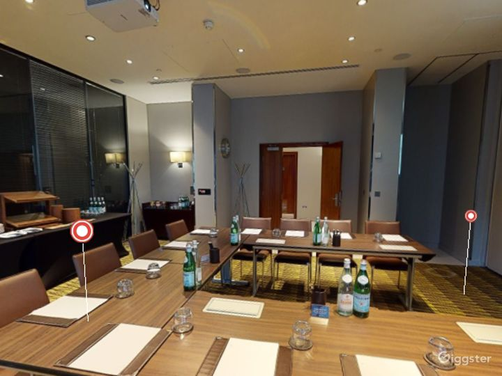 Stylish Private Room 2 in Canary Wharf, London Photo 5