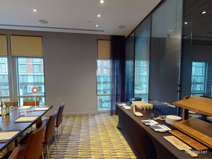 Stylish Private Room 2 in Canary Wharf, London Photo 3